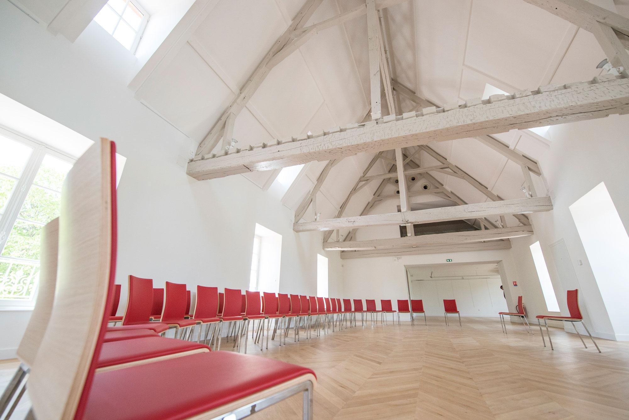 grande salle de réunion, séminaire, conférence ....
